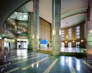 大阪証券取引所ビル|ビル賃貸物件|ビルディング事業|事業案内|平和 ...